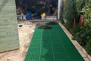 CORE Grass installation - driveway to garage